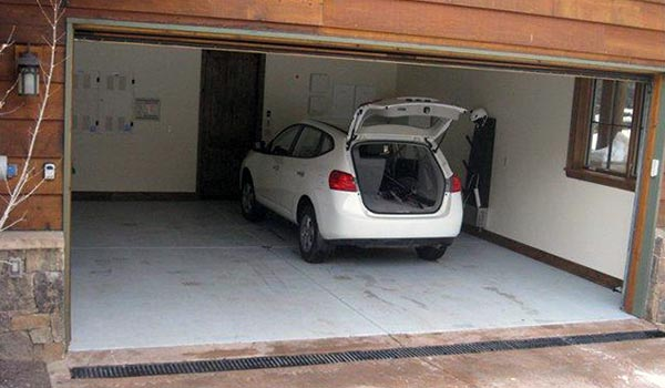 Пол в гараже из